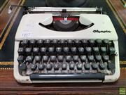 Sale 8580 - Lot 1017 - Vintage Typewriter