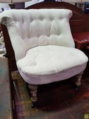 Sale 8601 - Lot 1409A - Buttoned Lounge Chair