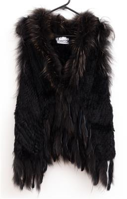 Sale 9191H - Lot 91 - Rabbit fur Gilet with hook & eye closure, M-L / 12-14 (as new)