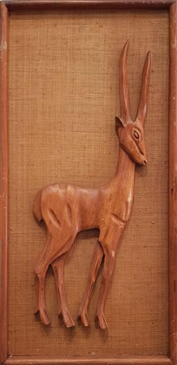 Sale 9117 - Lot 1014 - Vintage wall plaque of a teak deer (H:74cm W:36cm)