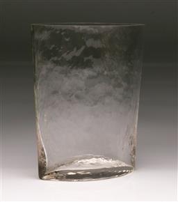 Sale 9114 - Lot 53 - Textured glass vase (H:24cm)