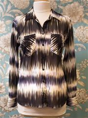 Sale 8474A - Lot 91 - A striking Guess blouse - Condition: Excellent - Size: S
