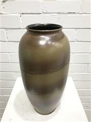 Sale 9056 - Lot 1037 - West German Vase by BAV (650-40) H42cm