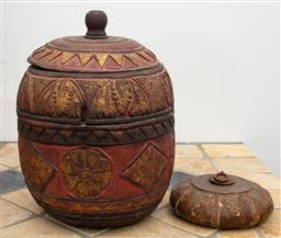 Sale 9191H - Lot 16 - Two carved timber wares, H 31 cm and 8 cm