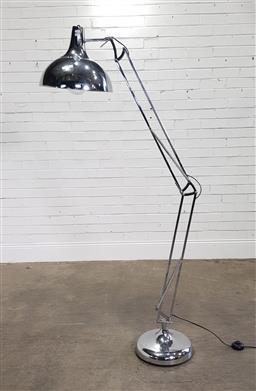 Sale 9191 - Lot 1031 - Industrial style floor lamp (h180cm)