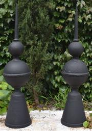 Sale 8950G - Lot 42 - Pair of tall cast iron finials 92cm Height