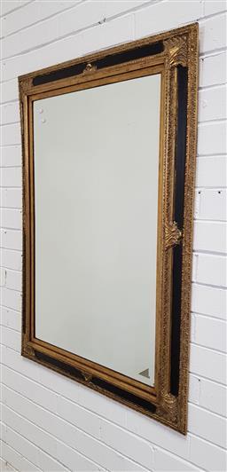 Sale 9157 - Lot 1039 - Vintage gilt framed mirror (111 x 80cm)