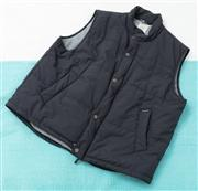 Sale 9066H - Lot 82 - A Drizabone all weather vest in navy, Size 3XL