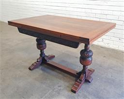Sale 9108 - Lot 1025 - Timber extension dining table (h:75 x l:121 x w:76cm)
