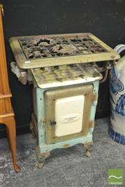 Sale 8440 - Lot 1008 - Metters The Suburban Gas Cooker
