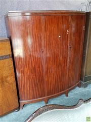 Sale 8601 - Lot 1195 - Large Three Door Wardrobe