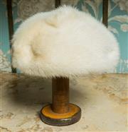 Sale 8420A - Lot 22 - A Dolores Paris London vintage blonde mink beret hat, 23cm wide, condition: excellent