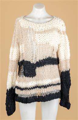 Sale 9250F - Lot 100 - A Maison Margiela casual wool knit jumper, size 1/S.