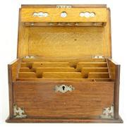Sale 8393B - Lot 75 - Oak Lidded Desk Tidy