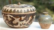 Sale 8976H - Lot 39 - A Ming brown and cream sawankhalok pot, diameter 12cm together with celadon type small Jar lid