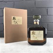 Sale 9042W - Lot 811 - Karuizawa Distillery 12YO 100% Malt Japanese Whisky - 40% ABV, 720ml, old bottling, some evaporative losses, in box.