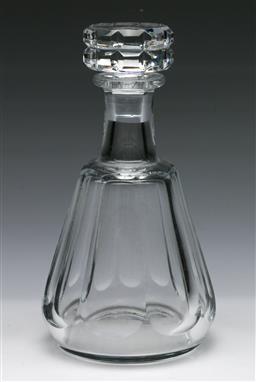 Sale 9173 - Lot 6 - A Baccarat crystal decanter (H:24cm)
