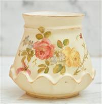 Sale 9090H - Lot 50 - A hand painted Royal Worcester squat form vase. Height 9cm