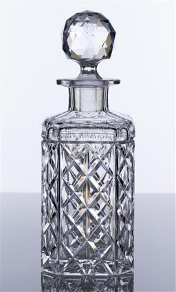 Sale 9245R - Lot 6 - A good quality hand cut lead crystal traditional whiskey decanter, Mid 1900s, Ht: 23.5cm