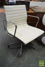Sale 8511 - Lot 1059 - Herman Miller Eames Group Chair EA