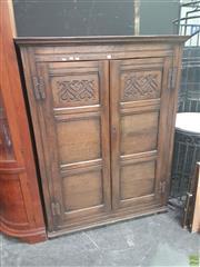 Sale 8620 - Lot 1011 - Oak Linen Press