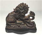 Sale 8706A - Lot 63 - An antique doorstop depicting lion and serpent, marked on back Clark & co 386, made from cast iron, H 16 x W 19cm