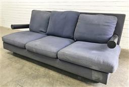 Sale 9121 - Lot 1045 - B&B Italia Three seater lounge suite (h:81 w:222 d:105cm)