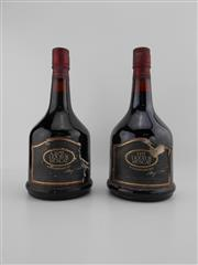 Sale 8498 - Lot 1942 - 1x Yalumba Special Old Port, Barossa Valley