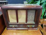 Sale 8672 - Lot 1017 - Vintage Timber Cased Radiogram