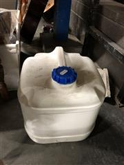 Sale 8789 - Lot 2265 - 15 ltrs of Sanitising Foaming Chlorine