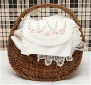 Sale 9058H - Lot 62 - A large quantity of Doilies small centres including napkins