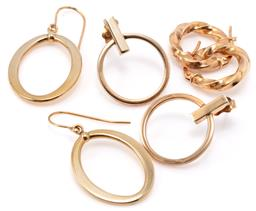 Sale 9149 - Lot 339 - THREE PAIRS OF 9CT GOLD EARRINGS; 3mm wide hollow twist hoops to lever back fittings, length 16mm, and 2 pairs of hollow ring drop e...