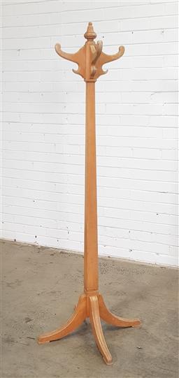 Sale 9146 - Lot 1021 - Timber coat rack (h:174cm)