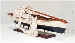 Sale 9146 - Lot 1034 - Pond yacht on stand (l:92cm)
