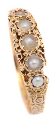 Sale 9074 - Lot 382 - A 15CT GOLD VICTORIAN PEARL RING; set with 5 graduated natural pearls on carved sides and shoulders, hallmarked J&A Birmingham, 1900...