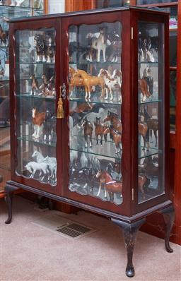Sale 9103M - Lot 454 - A lockable timber and glass display case with mirror back and four shelves, Height122cm x Width 92cm Depth 33cm