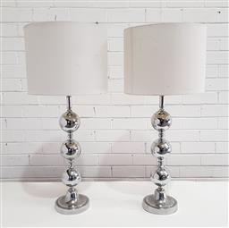 Sale 9137 - Lot 1045 - Pair of chrome table lamps (h:83cm)