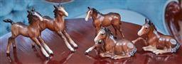 Sale 9103M - Lot 459 - A collection of five Beswick glazed ceramic foals, tallest Height 12cm, one seated foal repair to ear
