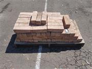 Sale 8676 - Lot 1187 - Small Pallet of 100 Garden Edging Bricks (70 x 230 x 70cm)