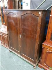 Sale 8601 - Lot 1143 - Art Deco Fitted Low Boy