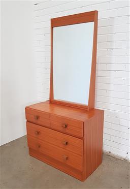 Sale 9157 - Lot 1061 - Vintage three draw mirror back dresser (h180 x w90 x d46cm)