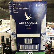 Sale 8801W - Lot 24 - 6x Grey Goose Vodka, 700ml