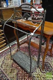Sale 8507 - Lot 1066 - Metal Tea Towel Rail