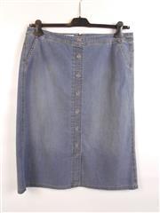 Sale 8514H - Lot 49 - Gerry Weber Blue Denim Skirt - 68cm L, UK size 18
