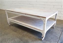 Sale 9137 - Lot 1061 - Industrial style coffee table (h:40 x w:110 x d:44cm)
