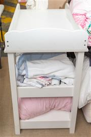 Sale 8709 - Lot 1041 - A Jacadi change table in white together with a Baby Bjorn portable cot, bedding and assorted towelling, linen etc.