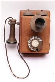 Sale 9018 - Lot 91 - Vintage timber wall phone (L26cm)