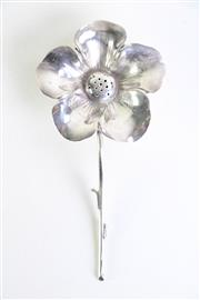 Sale 8977 - Lot 61 - A Daffodil silver salt dispenser L:14cm