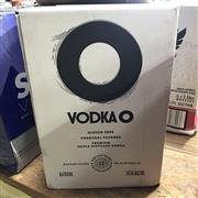 Sale 8801W - Lot 40 - 6x Vodka O, 700ml