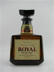 Sale 8439 - Lot 732 - 1x Suntory Whisky Royal Blended Japanese Whisky